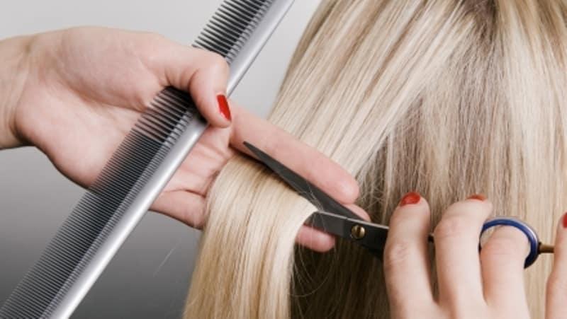 Descubra os 12 piores erros que muitas mulheres cometem nos cabelos