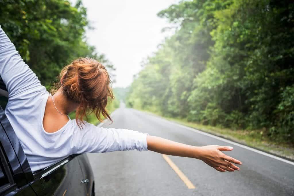 Pessoas casadas – O que elas fazem quando estão sozinhas em casa?