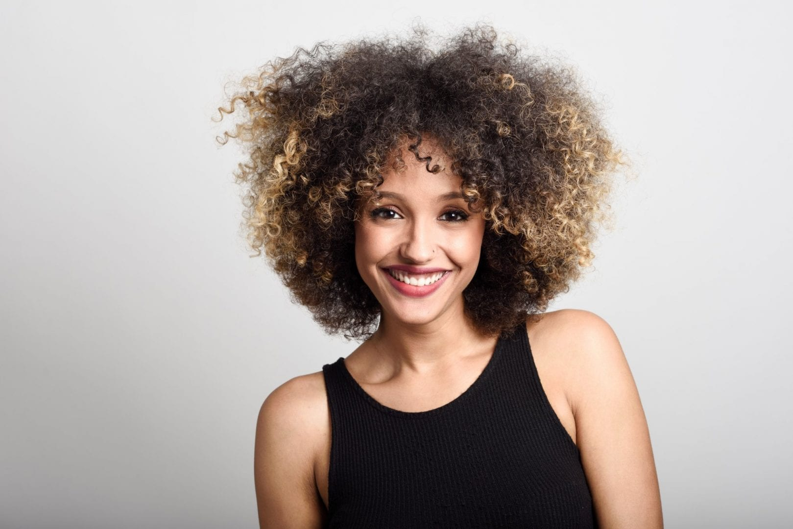 5 cuidados que lhe ajudaram a manter os cabelos crespos maravilhosos