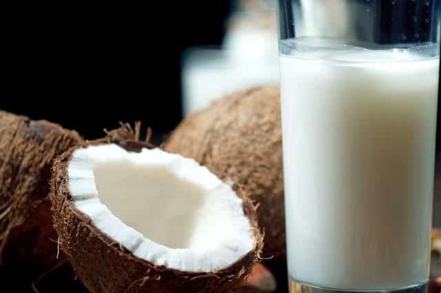 Leite de coco- Benefícios, nutrientes, dúvidas e receitas
