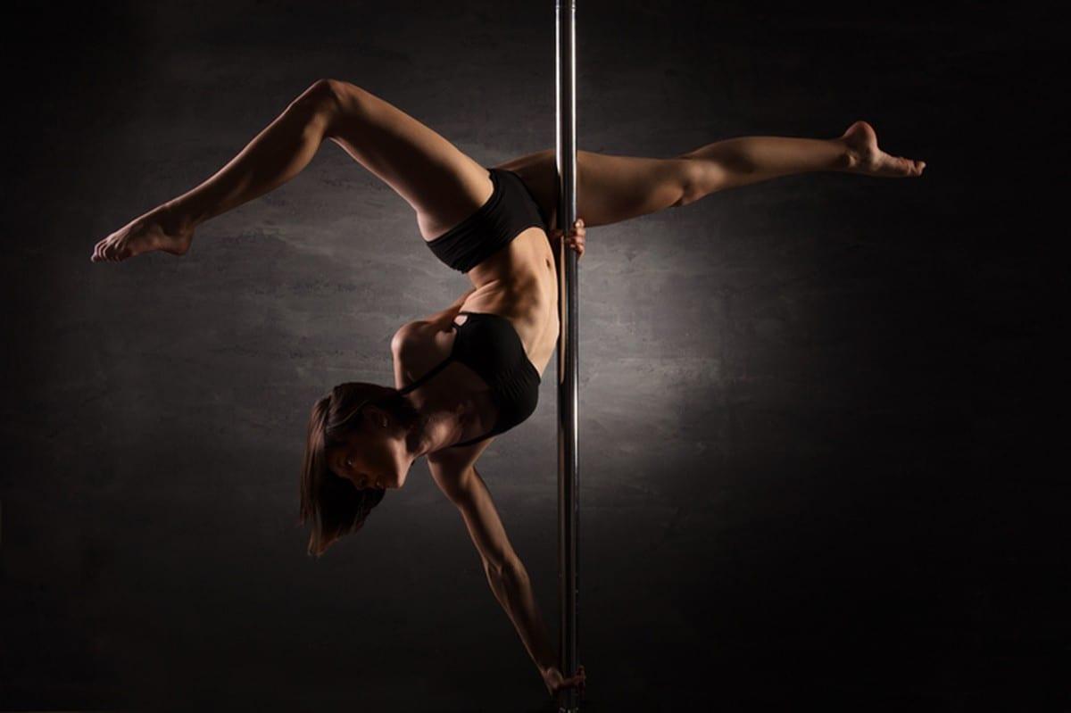 Entenda sobre o pole dance e seus benefícios
