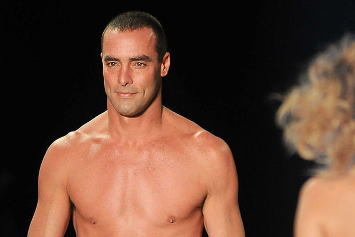 Já viu nudes de famosos? Relembre 19 artistas que já foram expostos