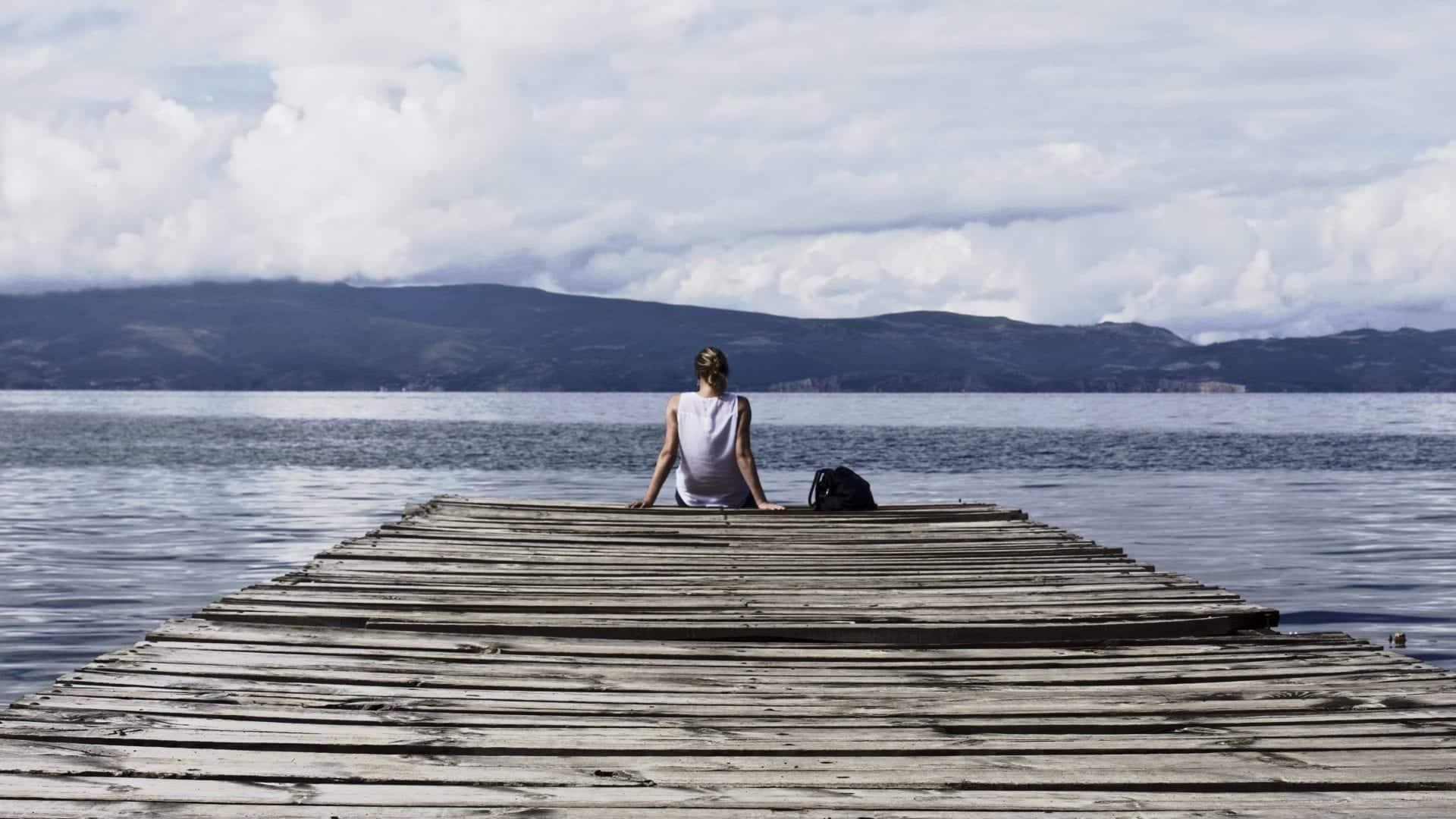 Viajar sozinha pode ser mais seguro do que você imagina. Vem conferir