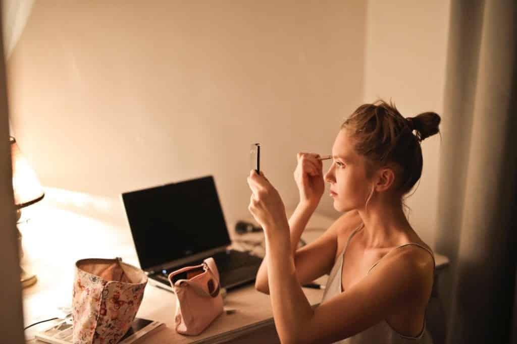 Maquiagem simples – Como fazer em poucos passos, sem mistérios