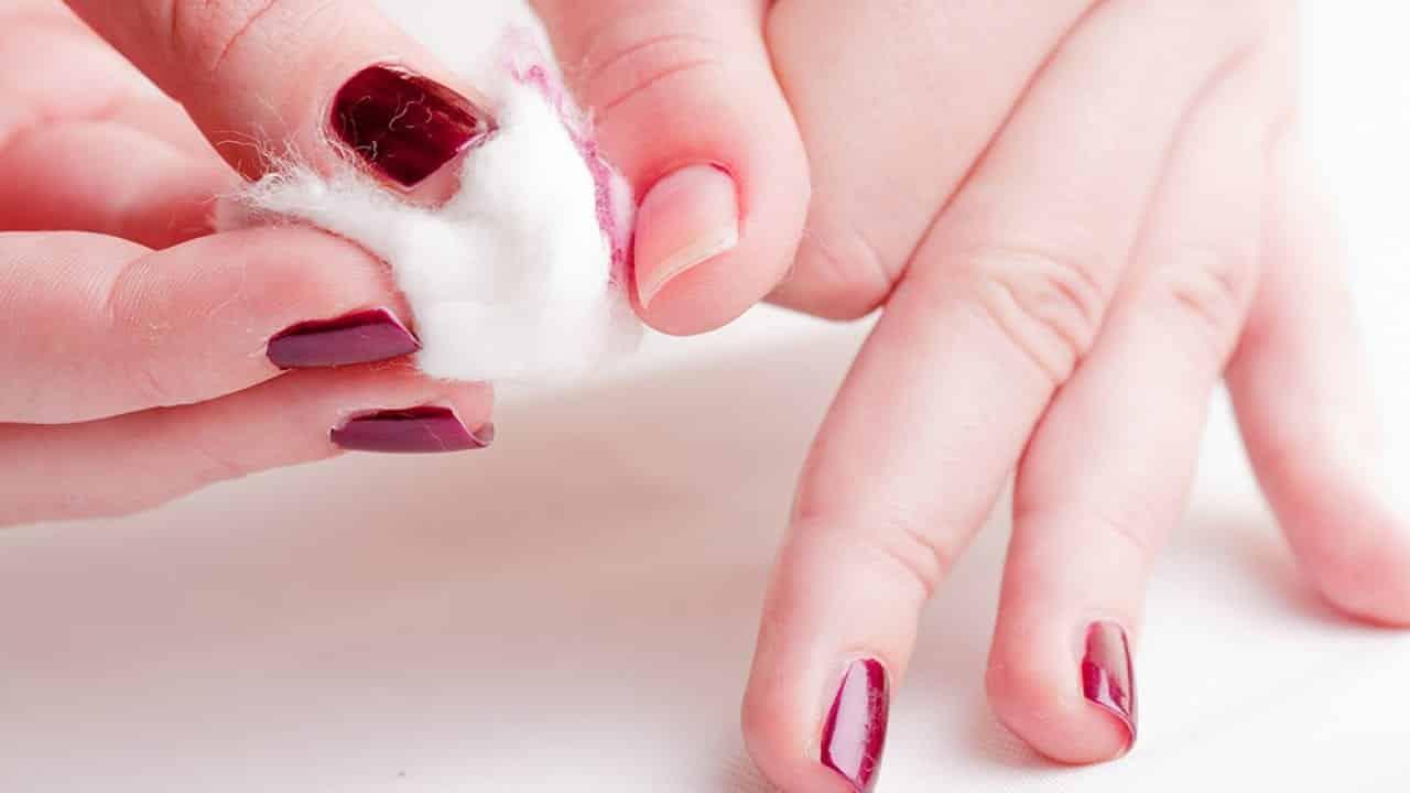 Mitos e verdades + tipos de removedor de esmalte e acetona