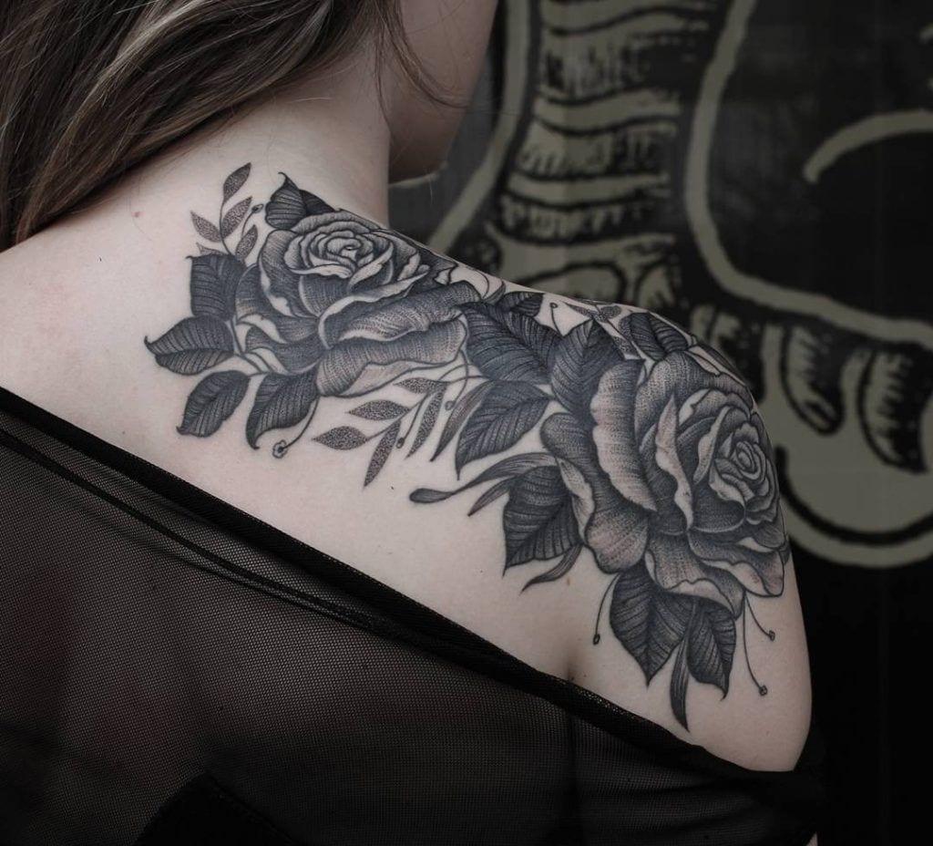 Tatuagem no ombro - 50 ideias diferentes para você se inspirar