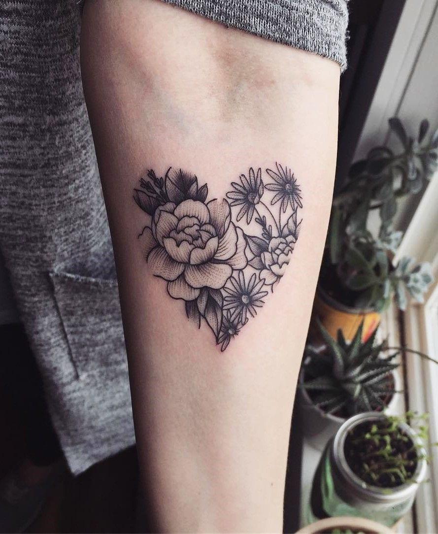 Tatuagem de coração - significados, desenhos mais usados + inspirações