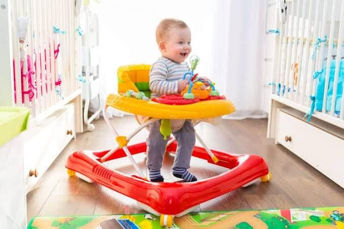 Andador infantil – Por que seu bebê jamais deveria usá-lo
