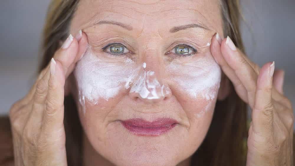 Babosa no rosto- Benefícios, dúvidas frequentes + 6 receitas caseiras