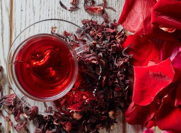 Chá de hibisco - é bom para a saúde e ajuda no emagrecimento