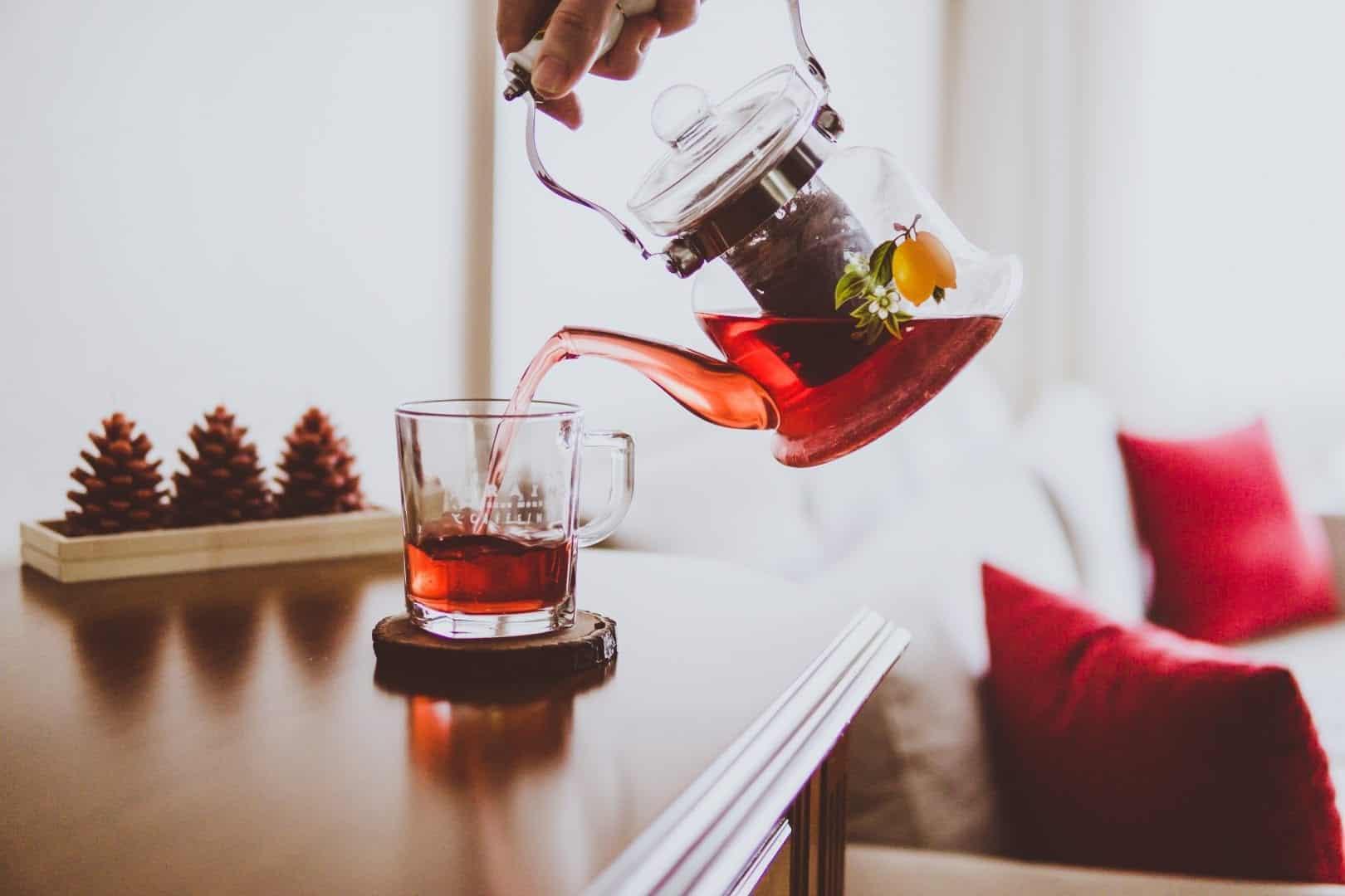 Chá de hibisco - Benefícios, contraindicações e dieta