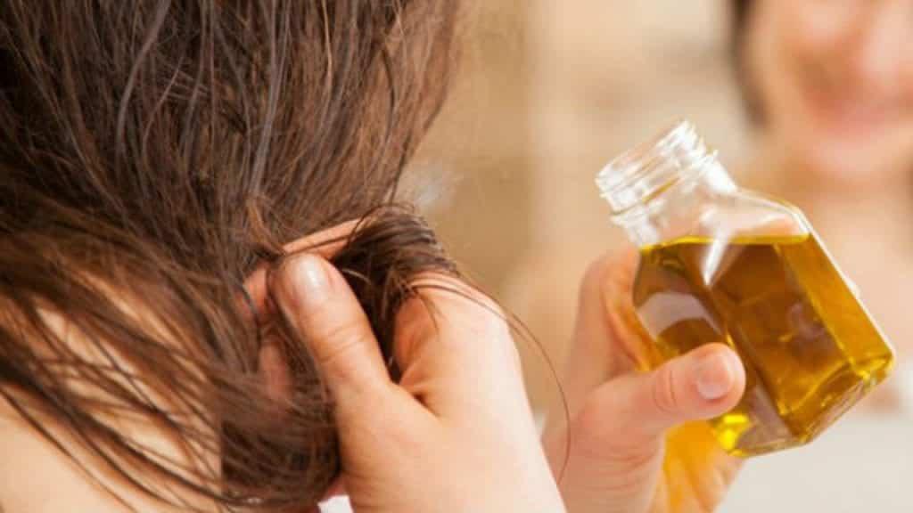 Azeite no cabelo – 8 benefícios de uso e 6 receitas caseiras de hidratação