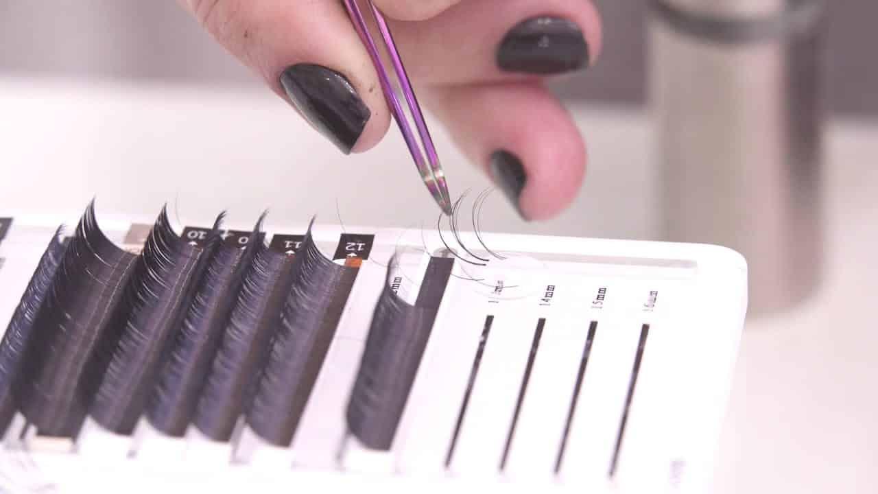 Cílios fio a fio - saiba tudo sobre o procedimento de alongamento de cílios