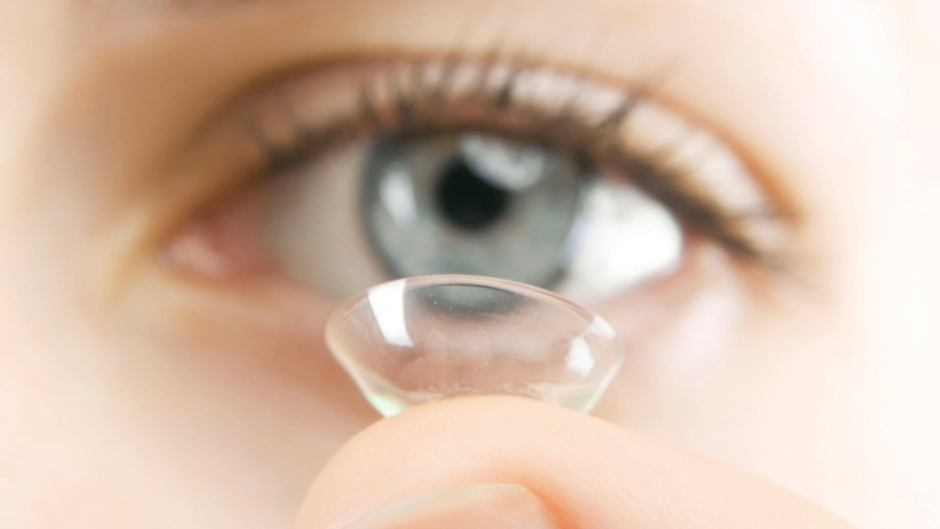 Lentes de contato colorida- Por que usar, cuidados e perigos ao usá-las