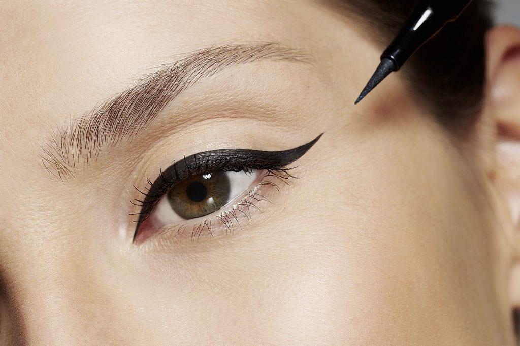Maquiagem com delineador – Opções para usar no dia ou na noite