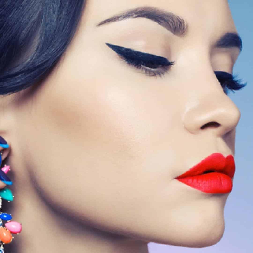 Maquiagem com delineador- Opções para se usar durante o dia ou à noite