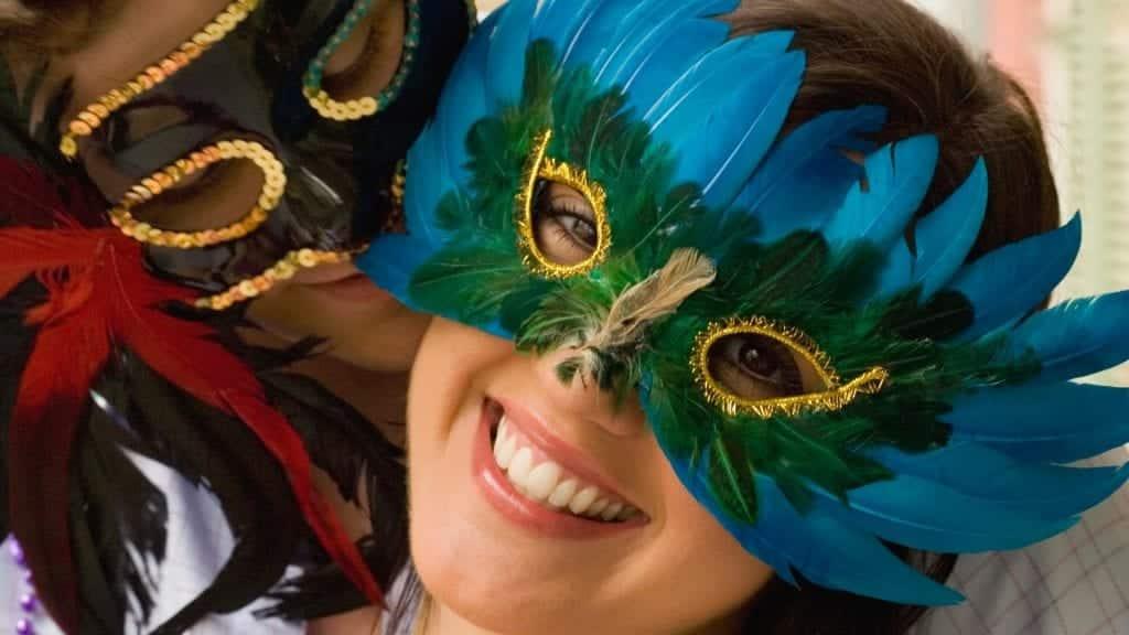 Máscaras de carnaval – 15 ideias e inspirações para te ajudar