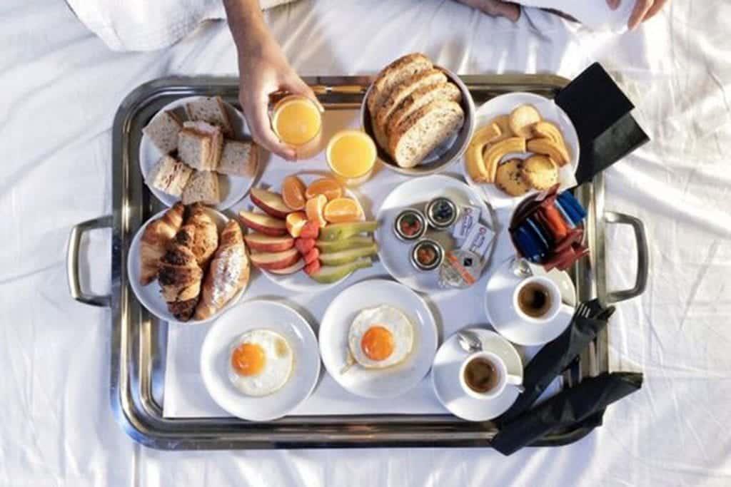 Café da manhã na cama – Ideias para você arrasar na surpresa