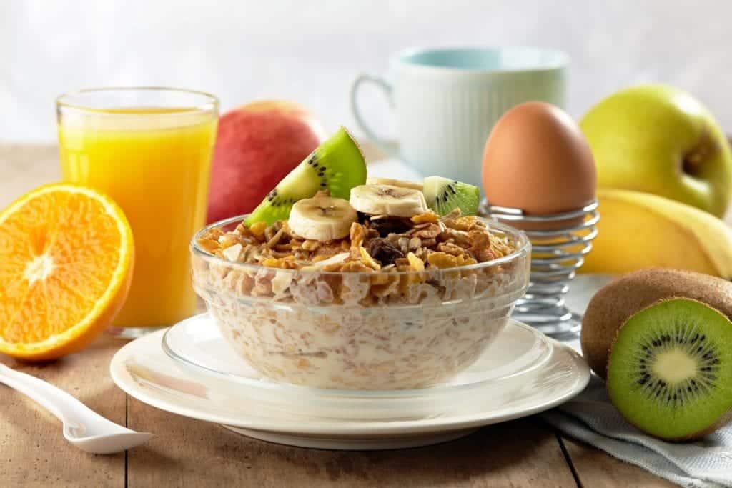 Cafés da manhã saudáveis – O que comer, o que evitar e receitas