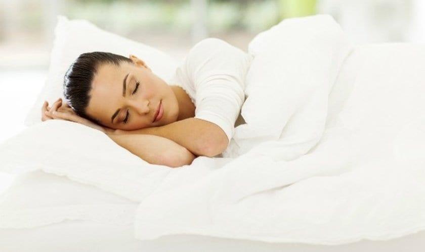 Posição para dormir - qual a melhor, pros e contras de cada uma