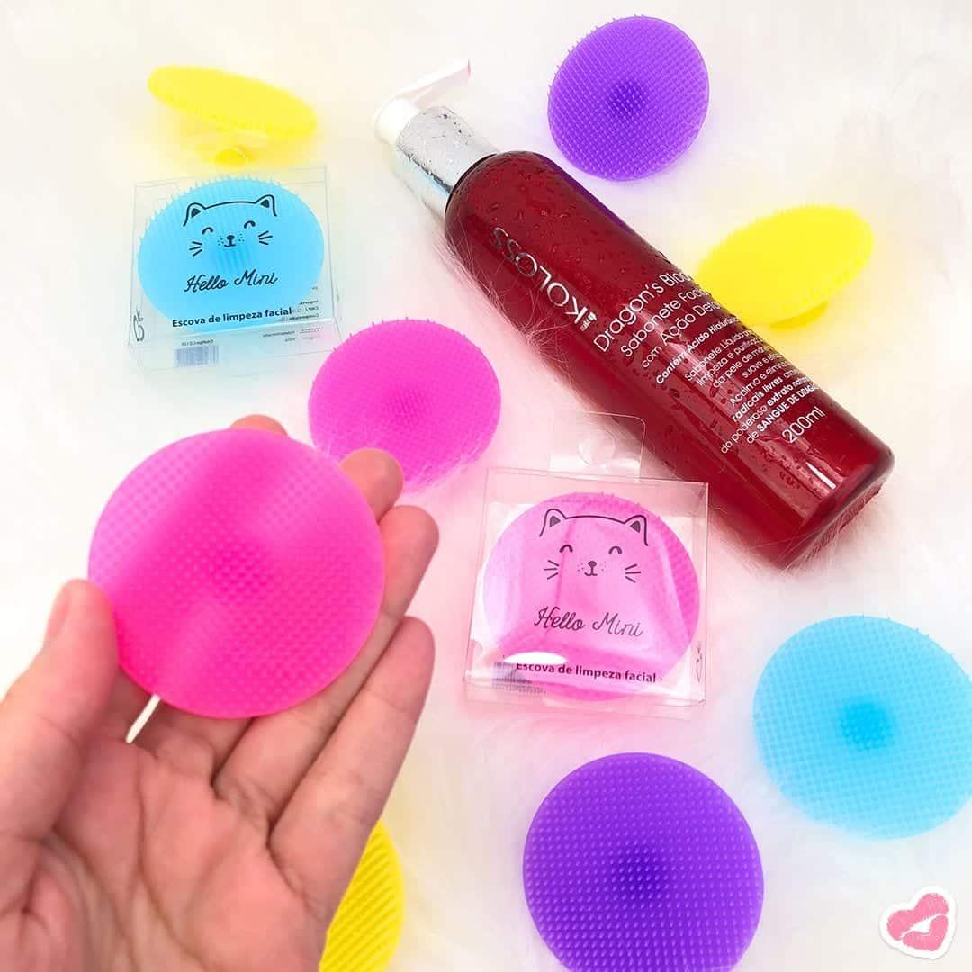Escova de limpeza facial - benefícios, como usar, prós e contras