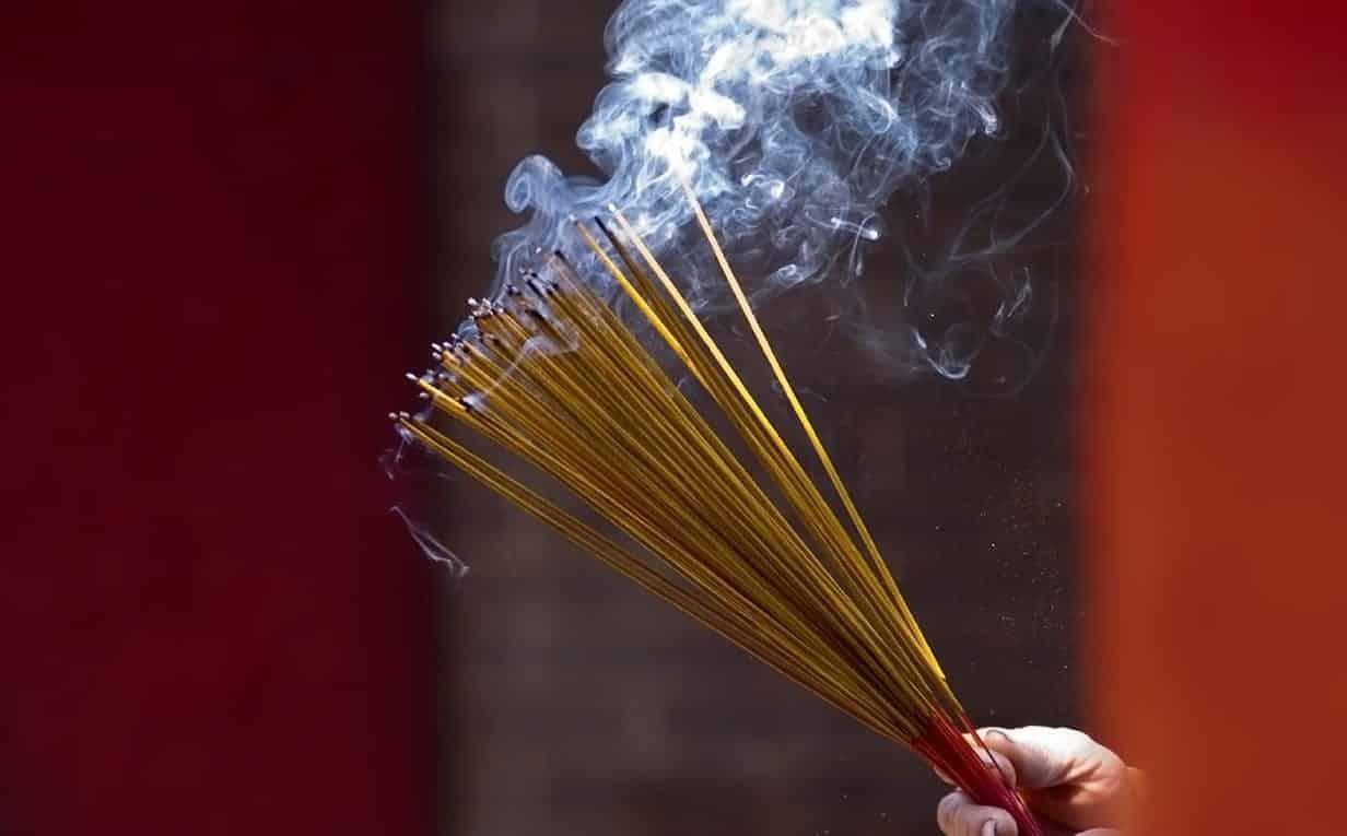 Incensos- para que serve, 15 aromas mais usados e cuidados necessários