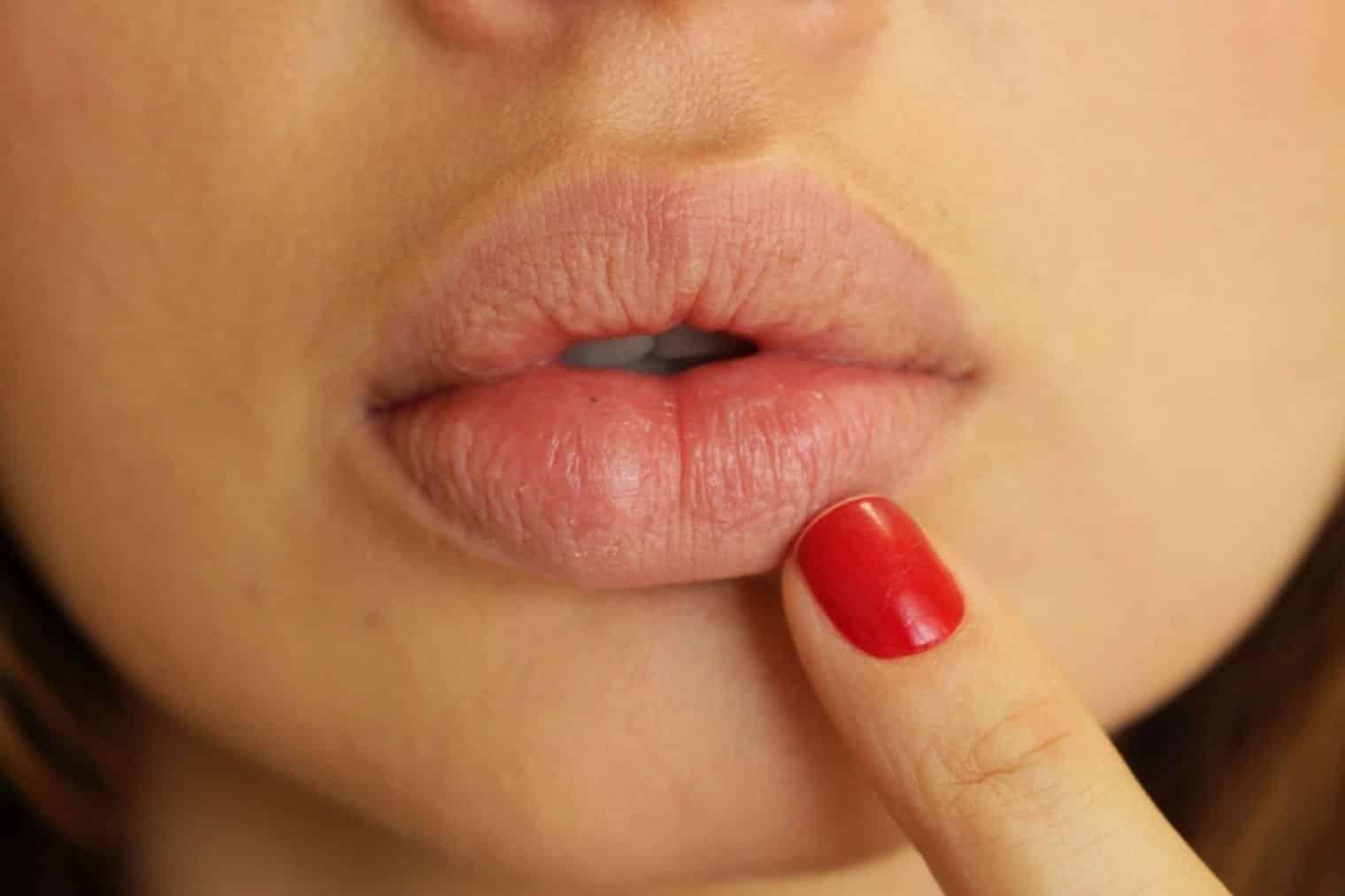 Lábios- Por que ressecam, sensibilidade, saúde dos lábios + dicas