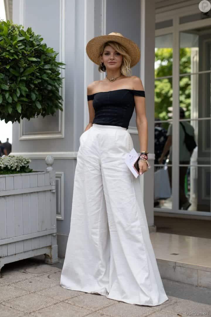Look com calça branca- qual peça devo escolher para complementar?
