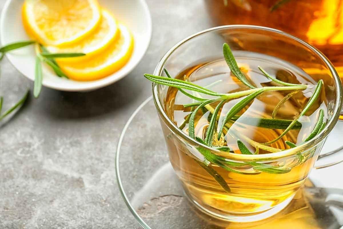 Chá de alecrim - Propriedades, principais benefícios e contraindicações