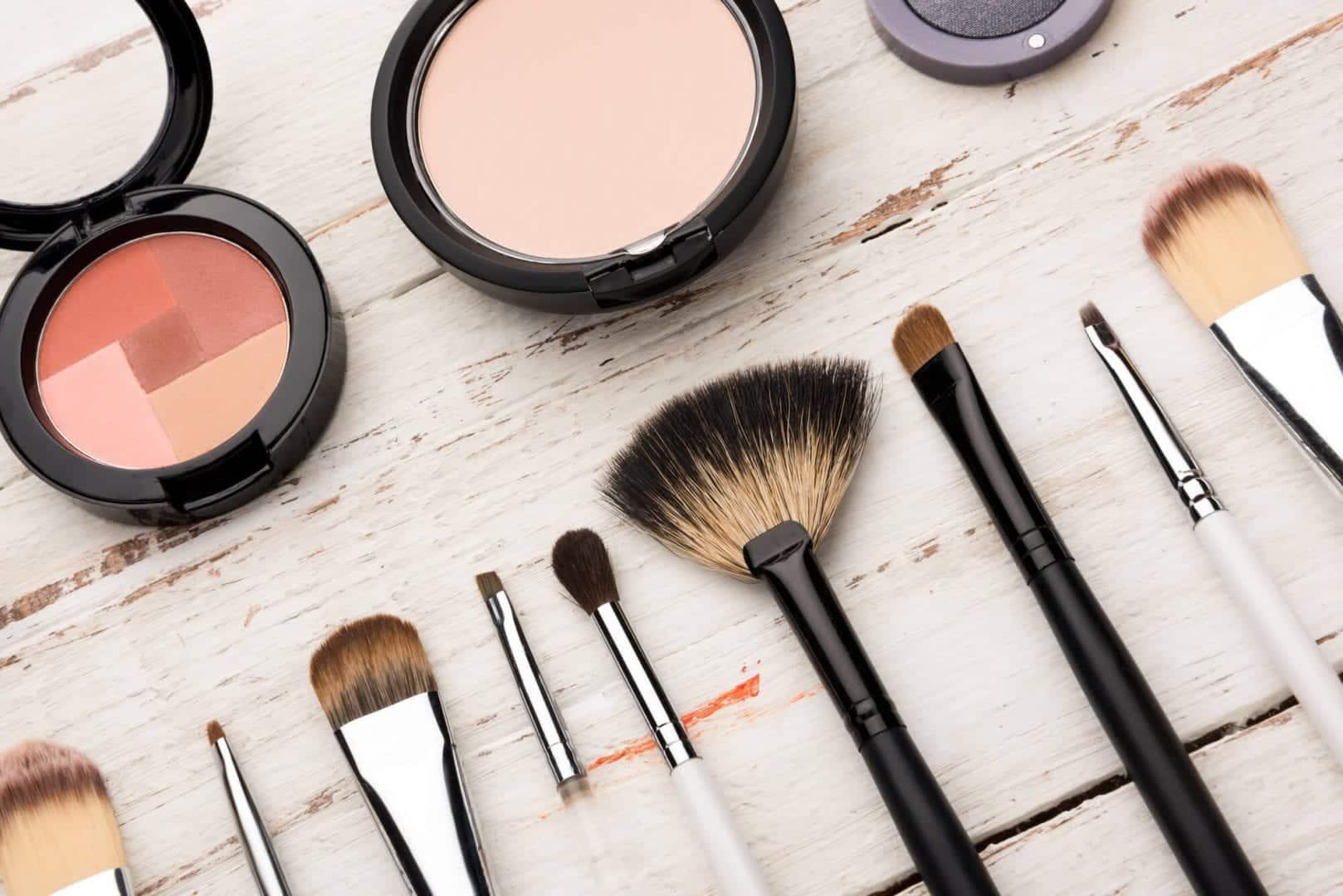 Maquiagem para pele oleosa - Como usar e melhores produtos