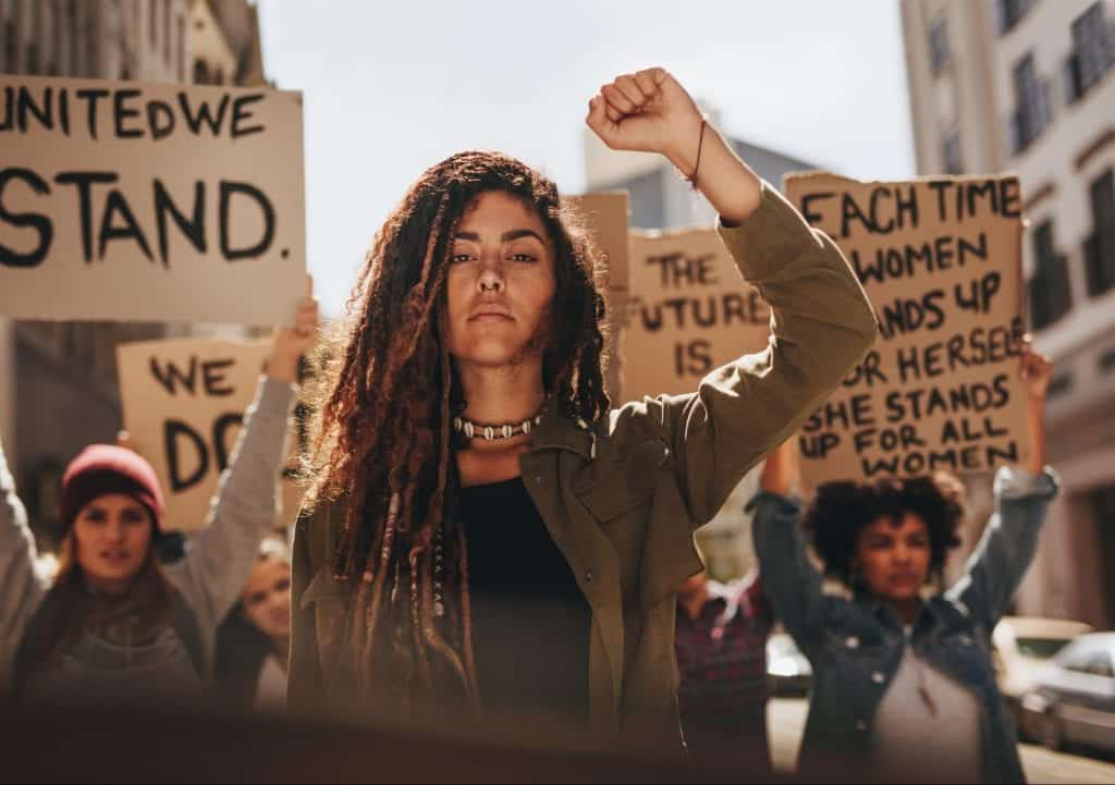 Empoderamento Feminino, o que é? História e como aderir