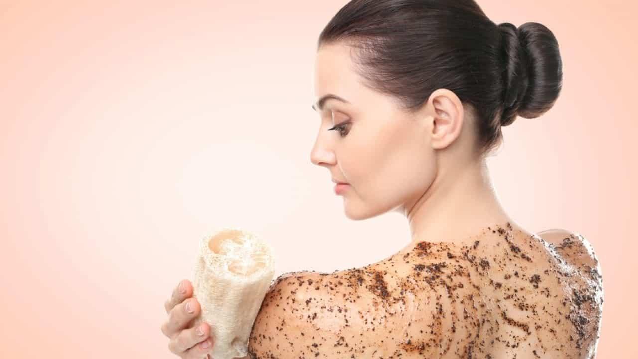 Esfoliação corporal - Benefícios, como fazer e receitas caseiras