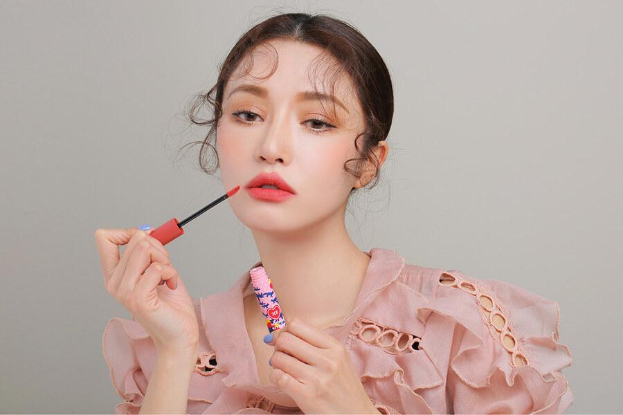 Lip tint - O que é, como usar e as melhores opções do mercado