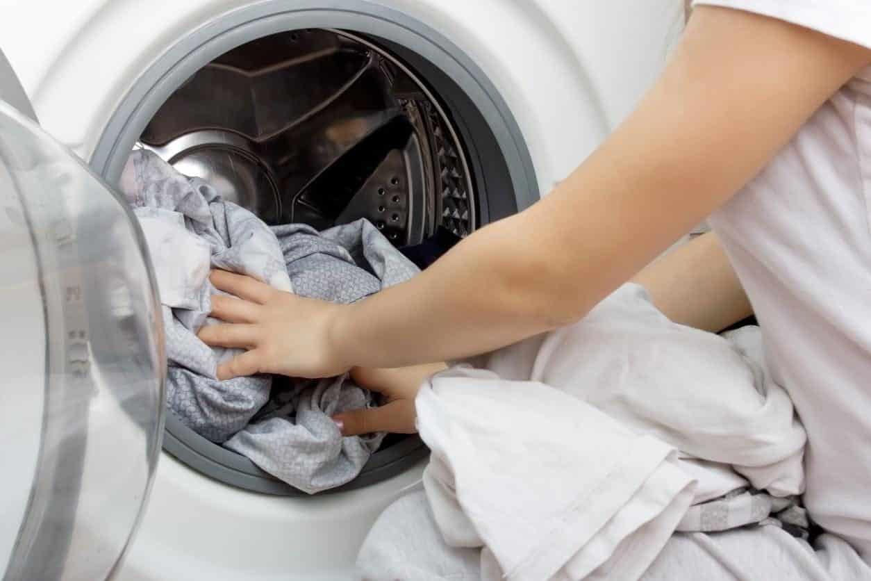 Tirar pelos de roupas - Dicas eficazes para acabar com pelos inconvenientes