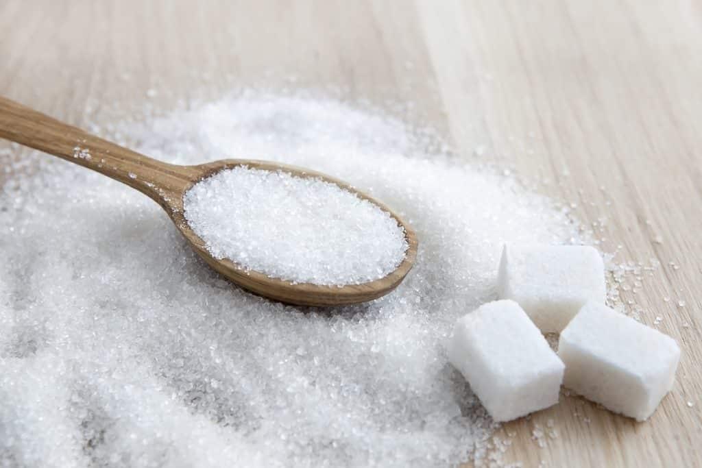Açúcar no cabelo – Benefícios e receitas de hidratação com o ingrediente