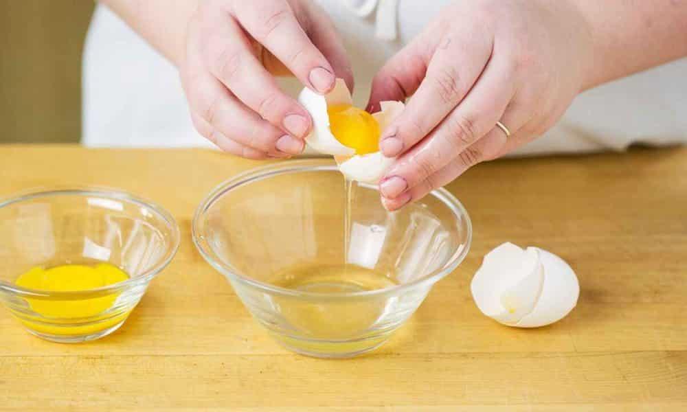 Clara de ovo – Benefícios e como usar no cabelo, na pele e na alimentação