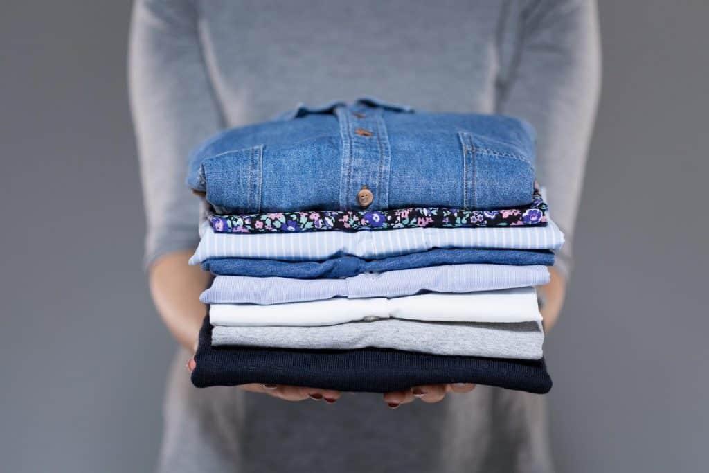 Como dobrar camisa social – Dicas para dobrar e guardar sem amassar