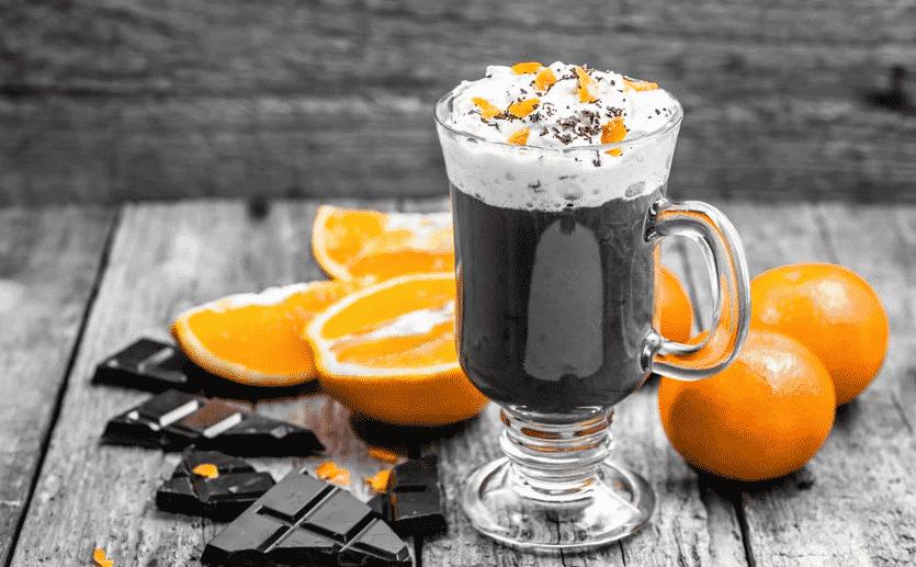 Como fazer chocolate quente - 17 receitas incríveis para turbinar a bebida