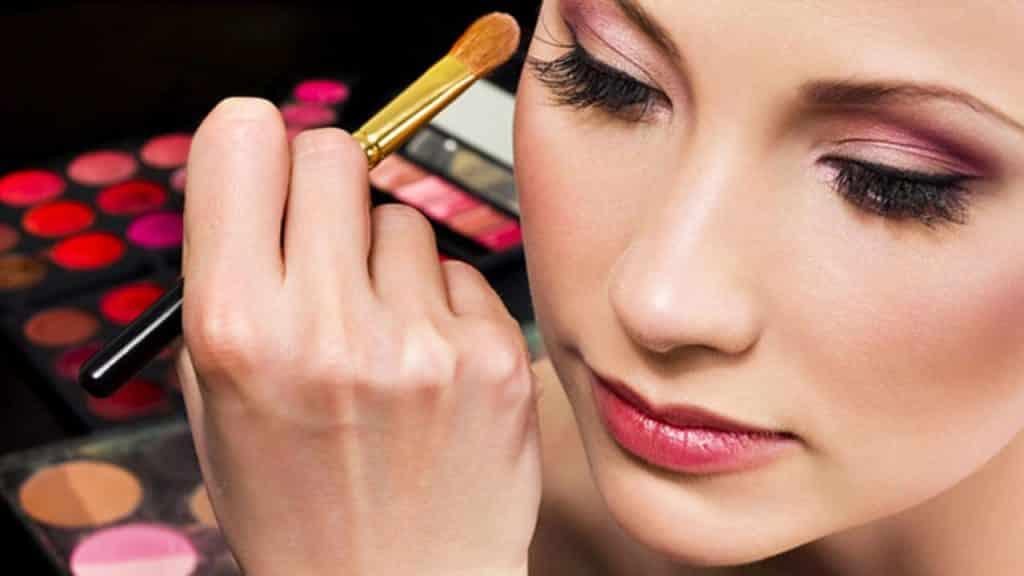 Curso de maquiagem na web – Como fazer e onde encontrar