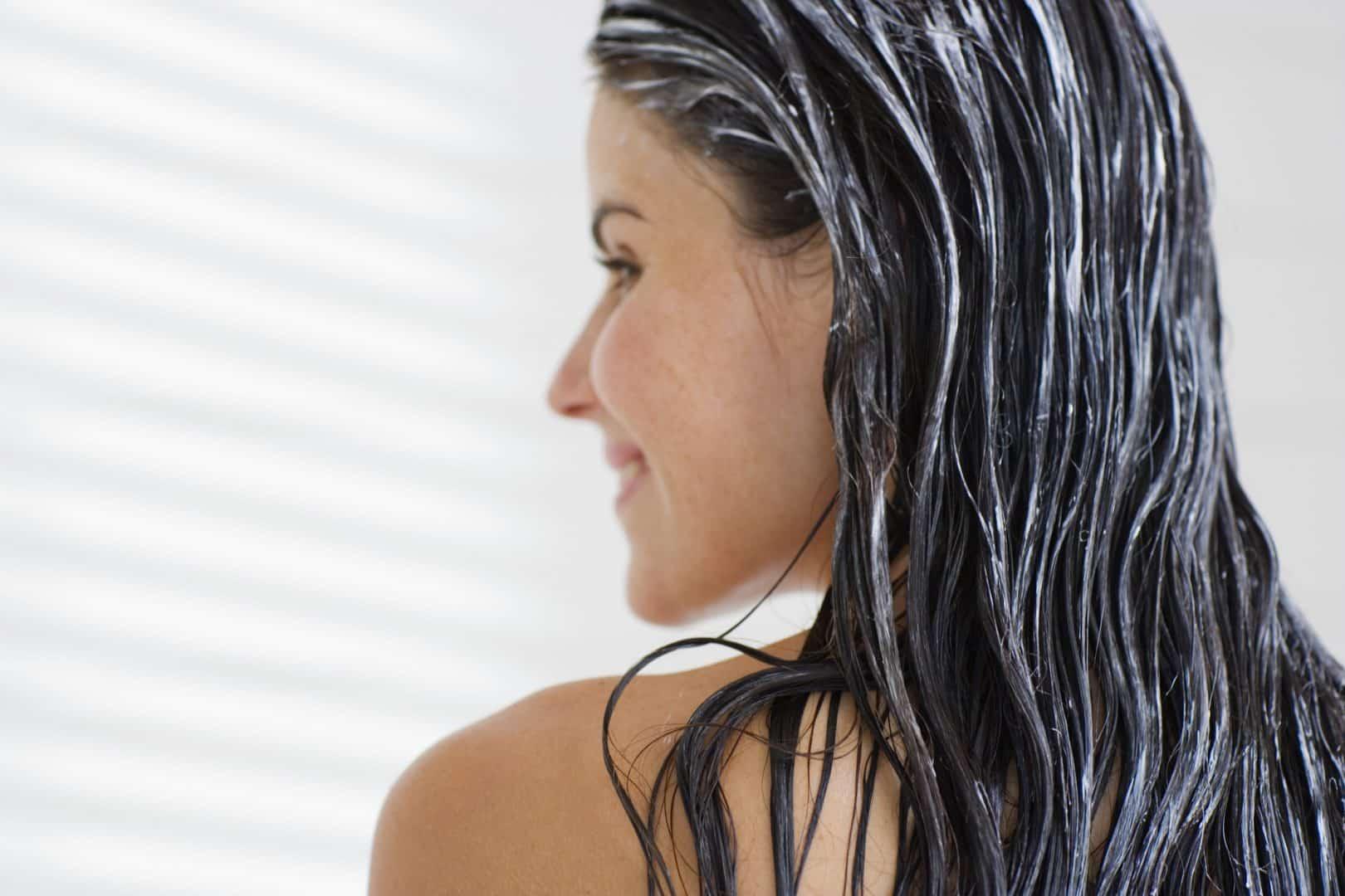 Hidratação para o cabelo - 16 receitas caseiras para deixar os fios hidratados