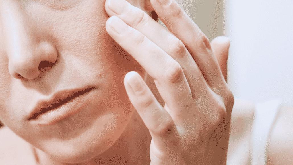 Pele descamando - Causas, tratamentos e cuidados diários