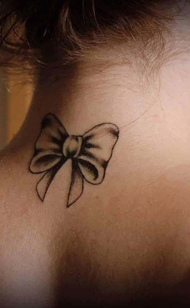 Tatuagem no pescoço - Tipos mais comuns e inspirações