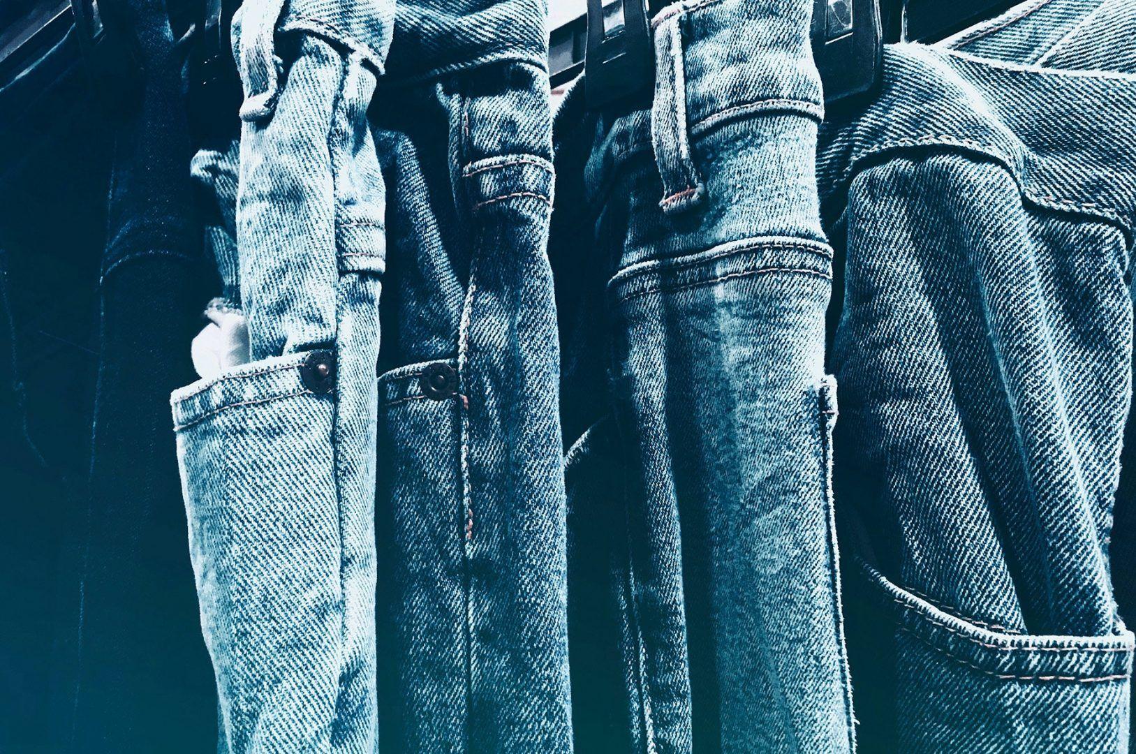 Calça jeans - A história da peça coringa que nunca sai de moda