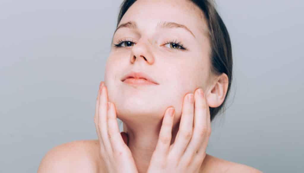 Pele hidratada – Importância e dicas de como manter a pele saudável