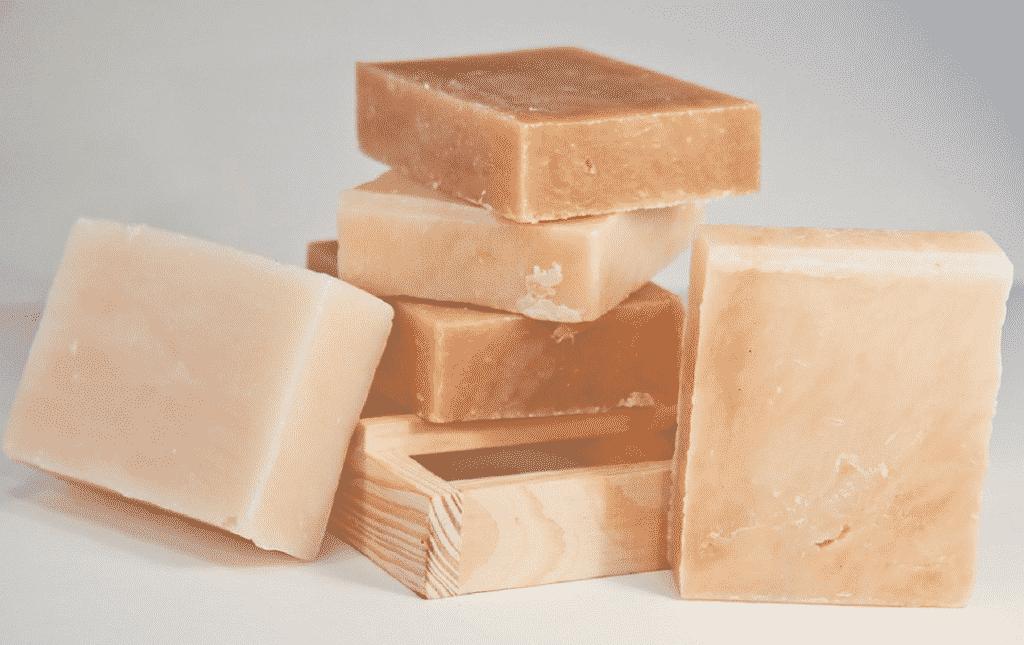 Sabão de coco – Benefícios, utilidades, como usar e como fazer em casa