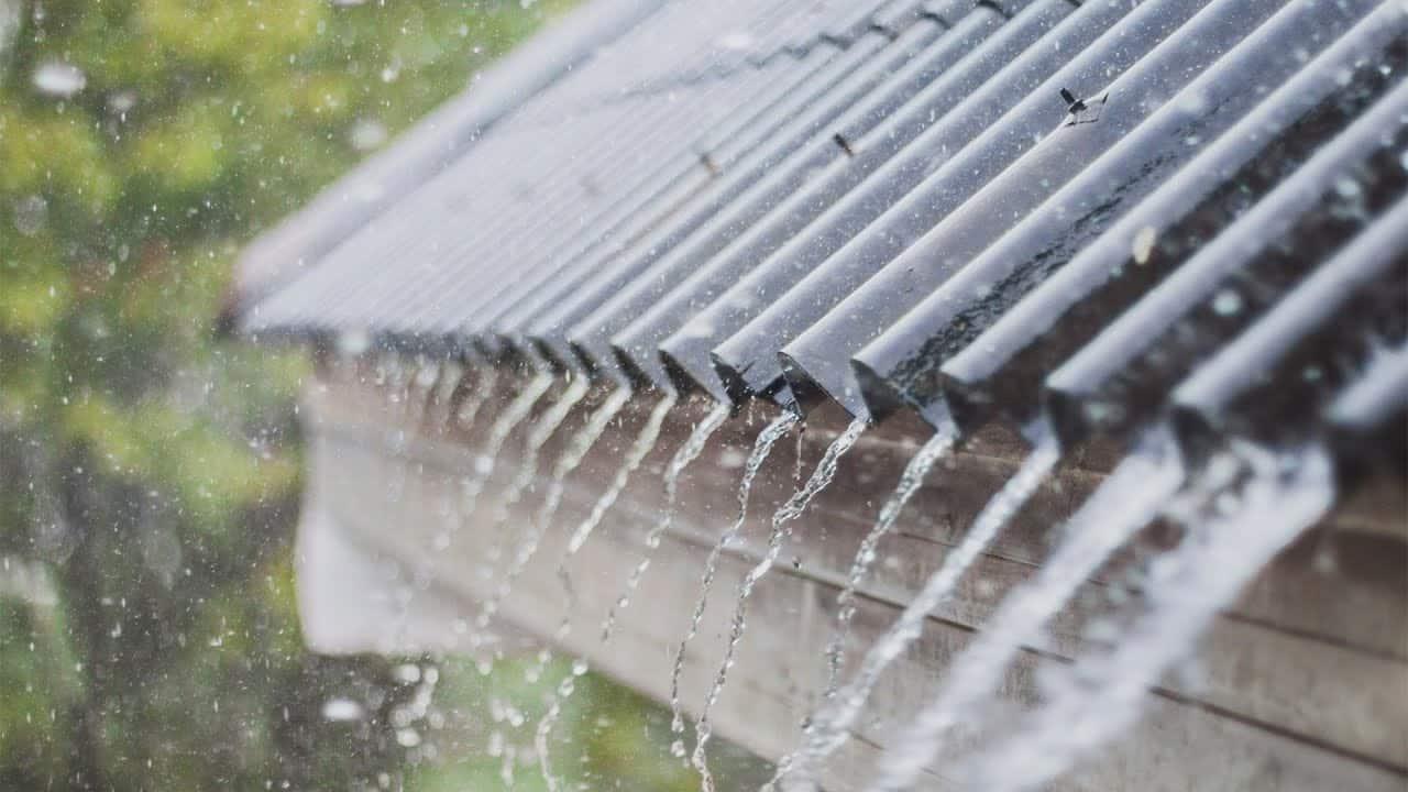 chuva no telhado