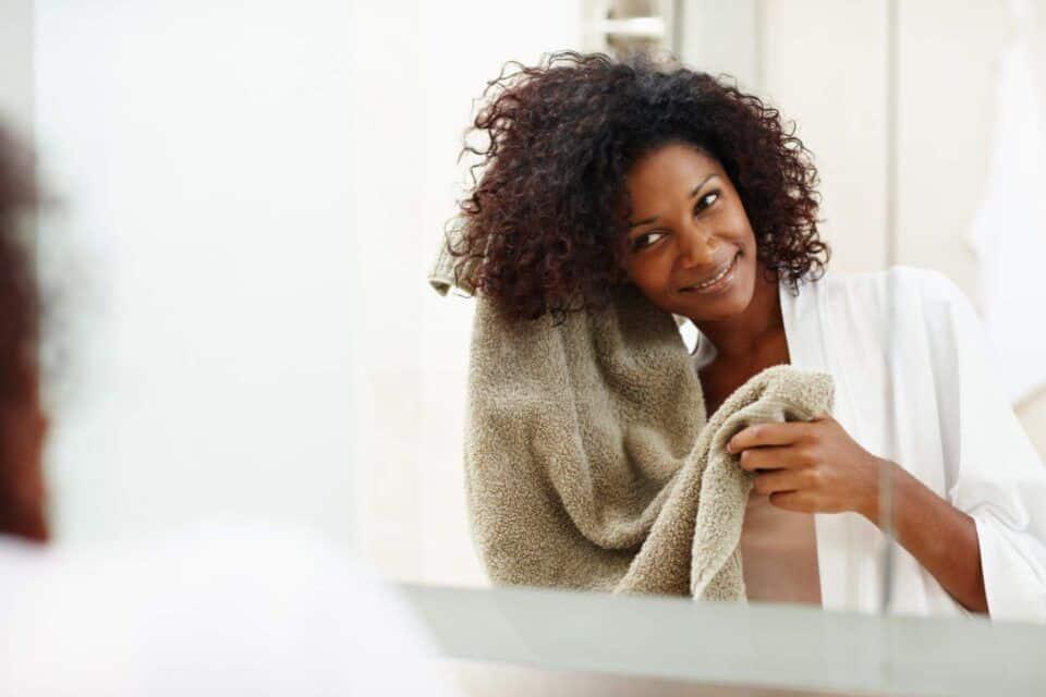 Transição capilar – Dicas do que fazer para voltar ao cabelo natural