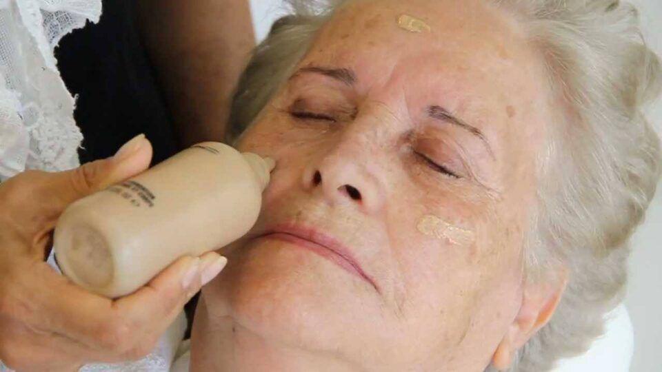 Corretivos para a pele madura – Lista de opções, preços e como usar