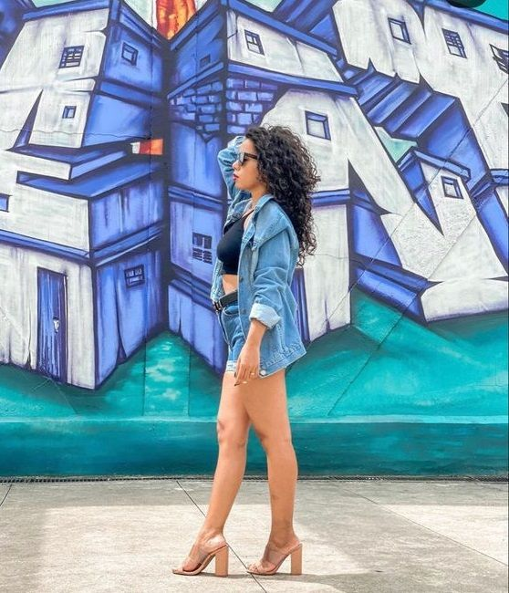 Sandália transparente - Dicas de como usar a tendência + inspirações