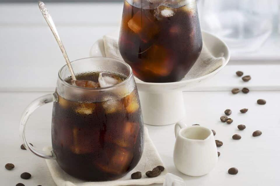 Café gelado – Origem e receitas para preparar a bebida em casa